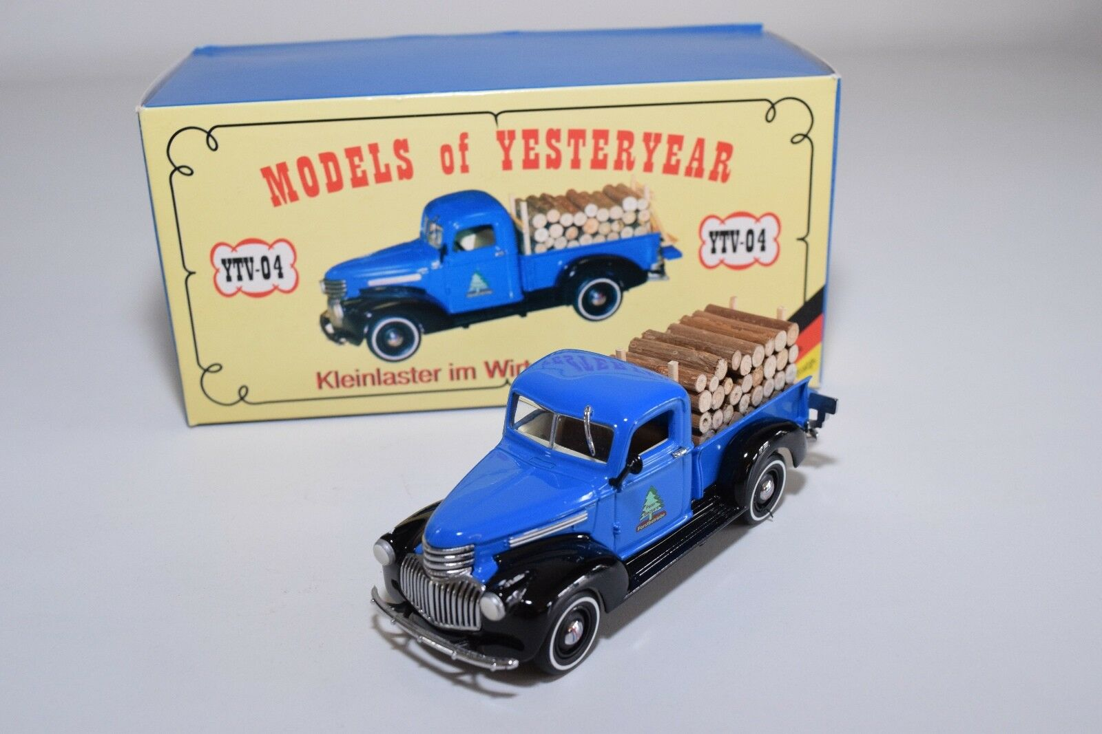 MATCHBOX YESTERYEAR YTV-04 CHEVROLET PICK-UP PETER BECKERS MINT BOXED RARE