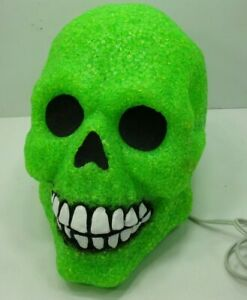 Green-Light-Up-Skull-Halloween-Prop-Decoration-Electric-Works-Great