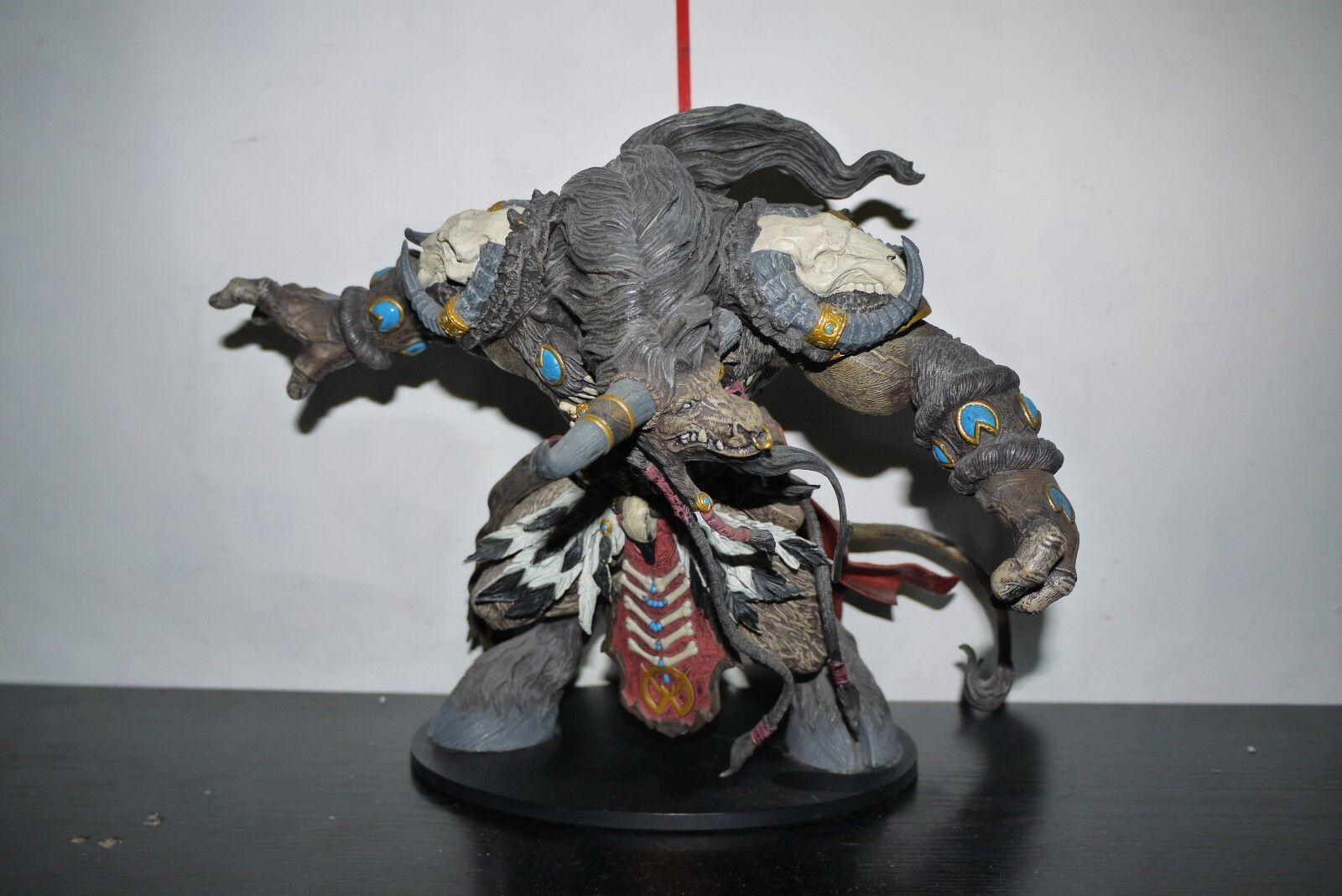 WOW World of Warcraft Figure Tauren Hunter Korg Highmountain INCOMPLETE