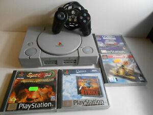 PlayStation 1 / PS1 + Controller + Kabel + 4 Spiele