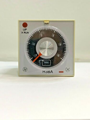8H Timer Solid State 8 PINS 110VAC 5A 250VAC New with Socket Relay H3BA