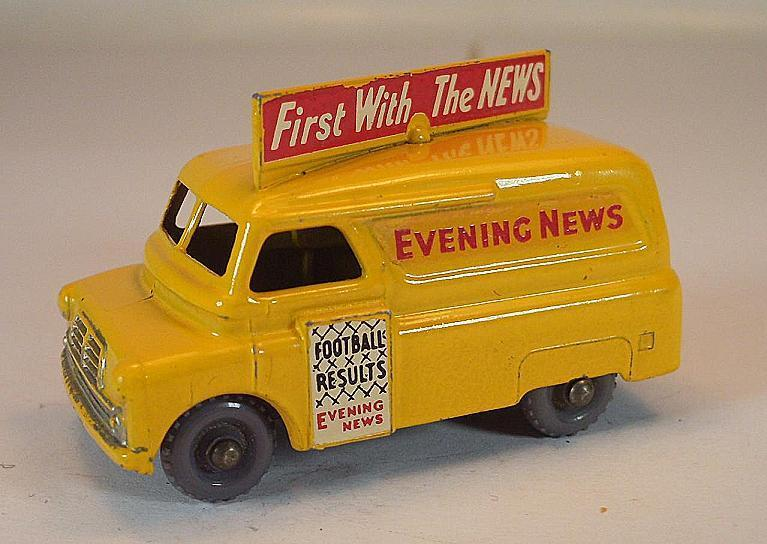 Matchbox Regular Wheels No 42 a Bedford Evening News DarkYellow BPW Lesney  387