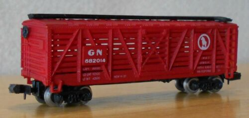 N scale stock car GN Great Northern cattle freight car deep red Bachmann HK