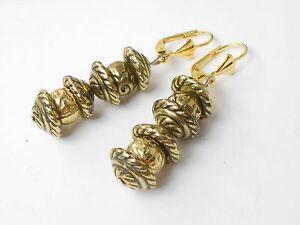 Huebsche-Ohrhaenger-Antik-Vintage-Style-goldfarbig-mit-Brisur