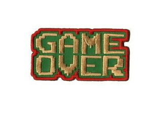 Game-Over-Ecusson-brode-sous-blister-gaming-jeux-video-game-over-geek-patch