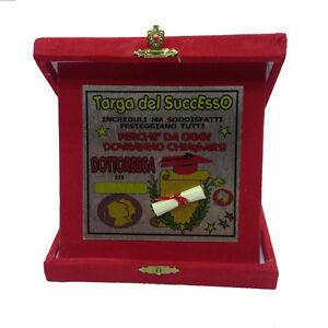 LAURE-placa-la-successo-doctora-roja-personalizable-14x14-cm-hecho-en-ital