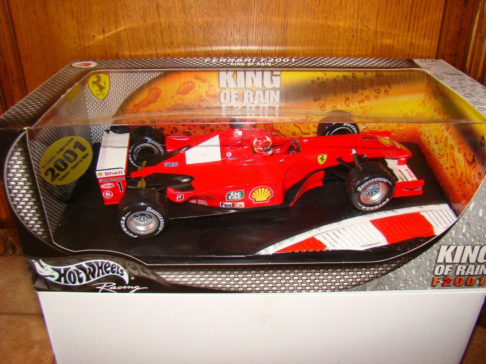 FERRARI F1 2001 KING OF RAIN    M.SCHUMACHER  1 18EME LIMITED EDITION TRES  RARE