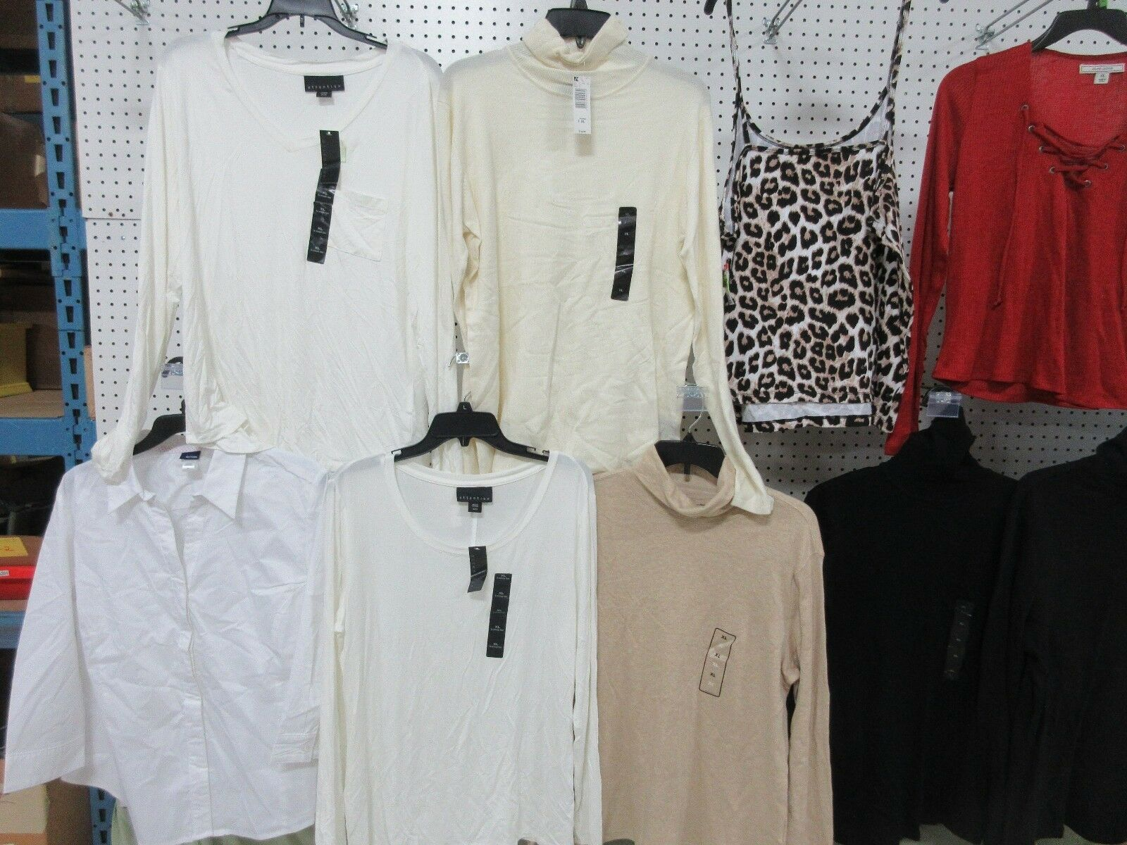 11 WOMEN'S CLOTHES TOP LONG SLEEVE XL SHIRTS CASUAL OUTFIT BLOUSE ATTENTION LOT