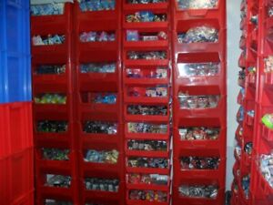 INVENTORY-BULK-SALE-OVER-MILLION-PLUS-ITEMS-BLIND-BAGS-TOYS-VINYLS-LOOSE-ITEMS