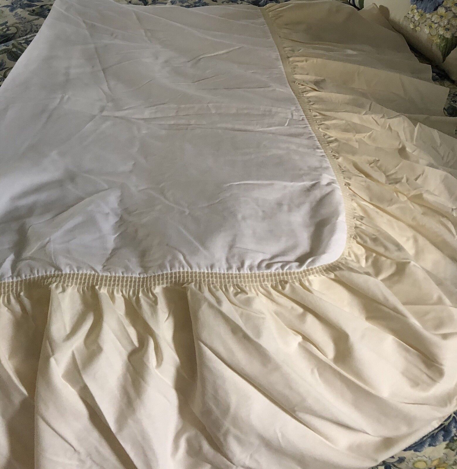 """2 NEW JC Penney Twin Bed Bedskirts Dust Ruffles Off White 13"""" Long"""