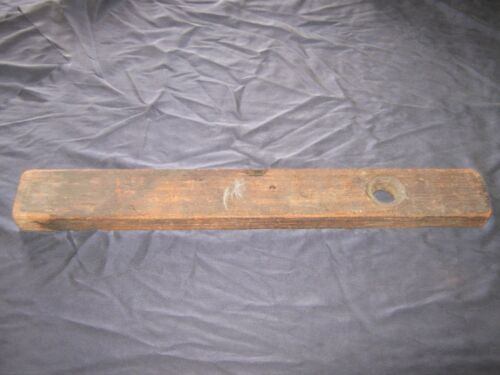"LK VINTAGE HENRY DISSTON & SONS Wood and Brass 26"" Level"