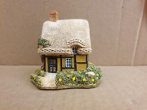 """LILLIPUT LANE - """"Buttercup Cottage""""   Mint , boxed.  no (151)"""