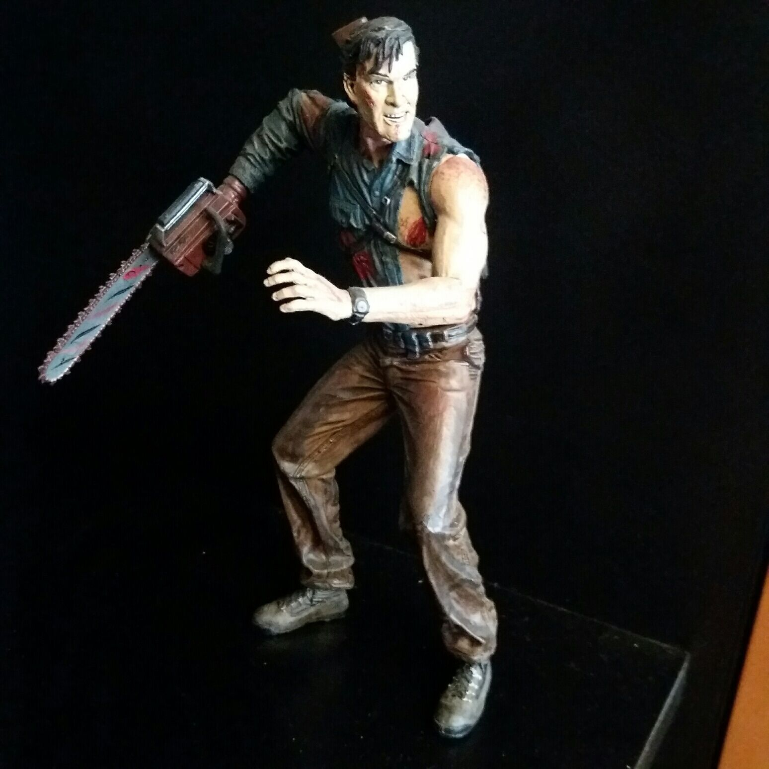 MC FARLAN EVIL DEAD ASH ACTION FIGURE