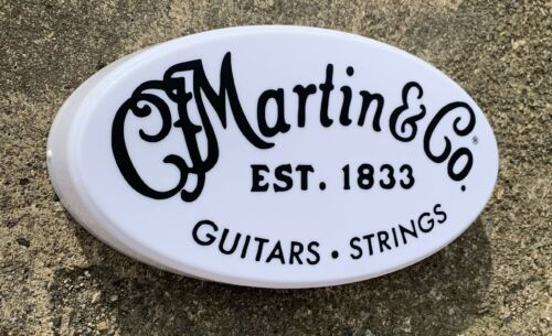 MARTIN /& CO GUITARS STRINGS LED ILLUMINATED LIGHT UP SIGN MUSIC ROOM INSTRUMENT