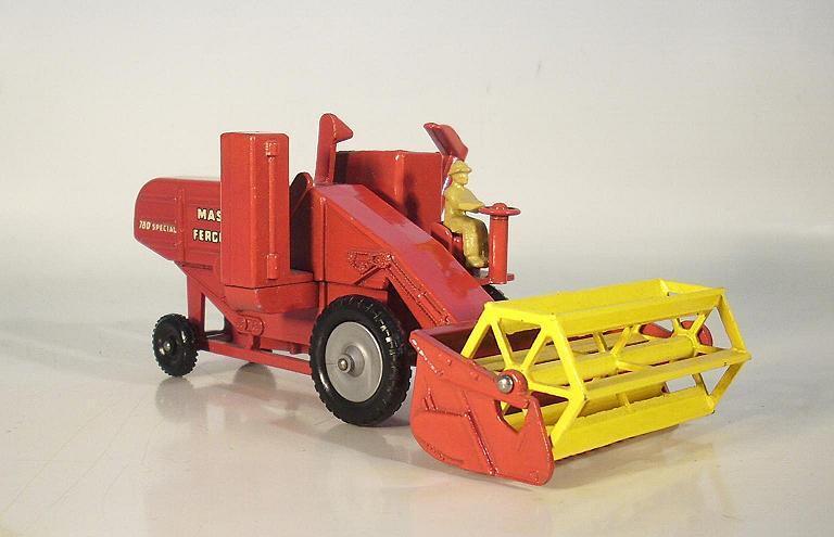 MATCHBOX major pack m-5a Massey Ferguson Combine Harvester Harvester Harvester error wheel!!! #6117 | De Nouveau Modèle  bf5490