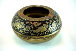 Vintage-Brass-Metal-Ashtray-Birds-Flowers-Embossed-Collectables