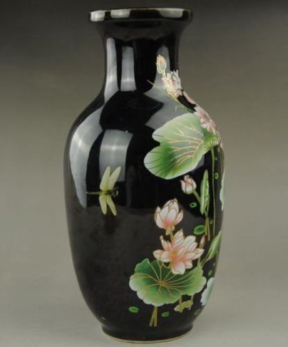 Chinese Old Exquisite Hand-painted Lotus Porcelain vase Collectible BLACK