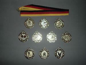 10 Sport-Medaille<wbr/>n mit Wunschemblem und Deutschland-Bä<wbr/>ndern