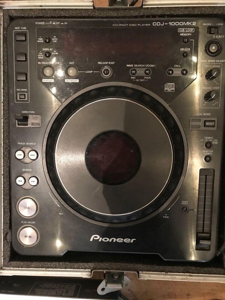 Compact disc player/ turn table, Pioneer CDJ-1000MK2