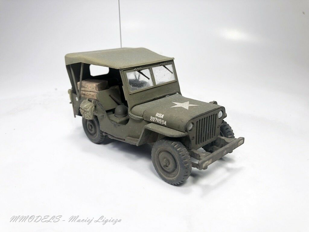 Jeep Willys + soft top  scale 1 35 - built and painted - MModels