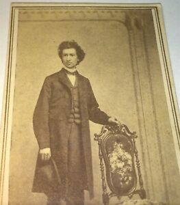 Antique-Victorian-American-Civil-War-Handsome-Gent-Big-Hair-amp-Hat-CDV-Photo-US