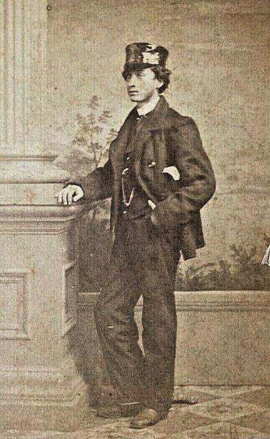 ORIGINAL - CIVIL WAR YOUNG MAN with his TARRED KEPI CDV PHOTOGRAPH