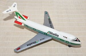 Aereo-giocattolo-Douglas-DC9-Boeing-747-Jumbo-Alitalia-Ellegi-anni-80