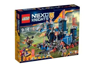 Lego 70317 - Nexo Knights Fortrex 1140 Pièces de jeu de construction Ps 04218