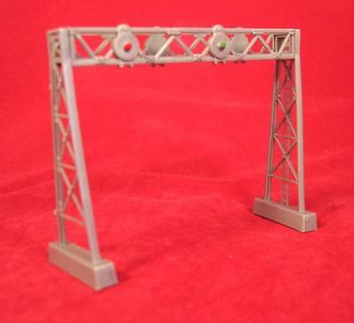 Model Power Signal Gantry Kit - N Gauge