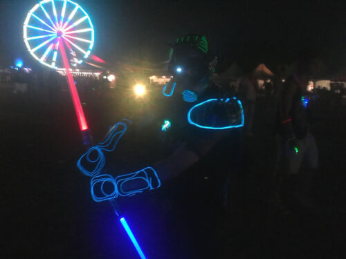AWESOME Color-Changing Motion-Activated LED Light Saber with STAR WARS Sounds