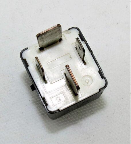 130-Toyota//03-14 4-Pin Multi-uso Gris Relé 90080-87030 denso AH156700-2900 12 V