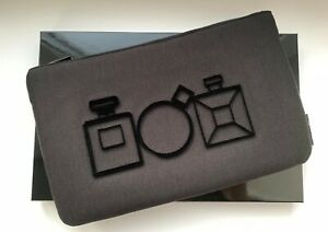 CHANEL-COSMETIC-MAKEUP-BAG-pouch-black-VIP-GIFT-le