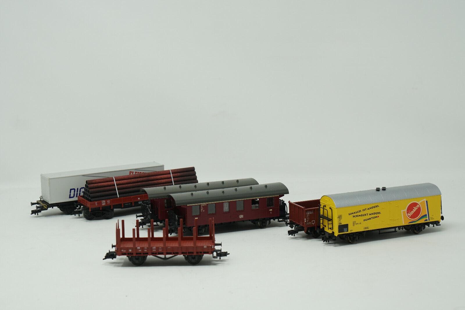 Fleischmann Güterwagen & ROCO Personenwagen