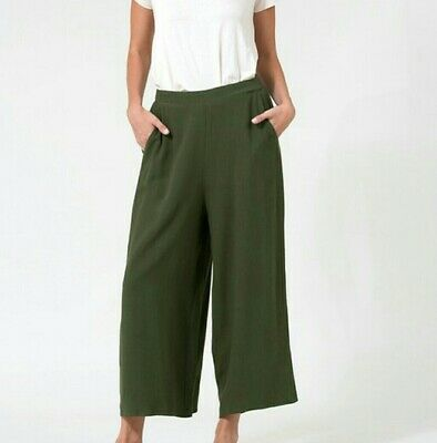 Love In Linen Straight Leg Capri Pants with Pockets Olive Green S M L