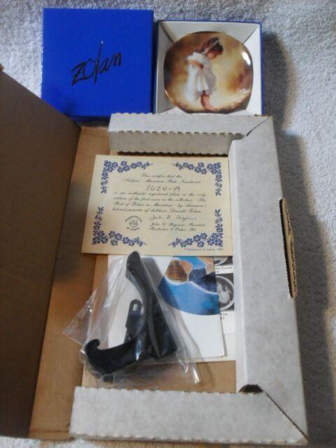Pemberton & Oakes Donald Zolan Tiny Treasures Miniature Plate COA Stand NIB
