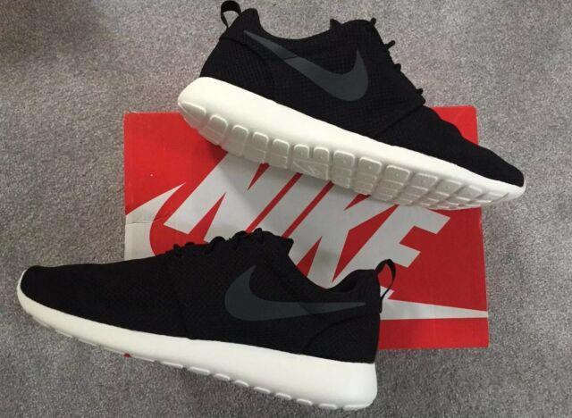 Im Ladengeschäft: Neu Nike Roshe Run Und Herren Schwarz