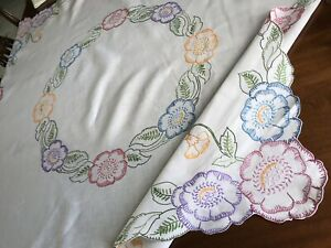 Vintage-Hand-Embroidered-White-Linen-FLOWERS-Tablecloth-49x50-Inches