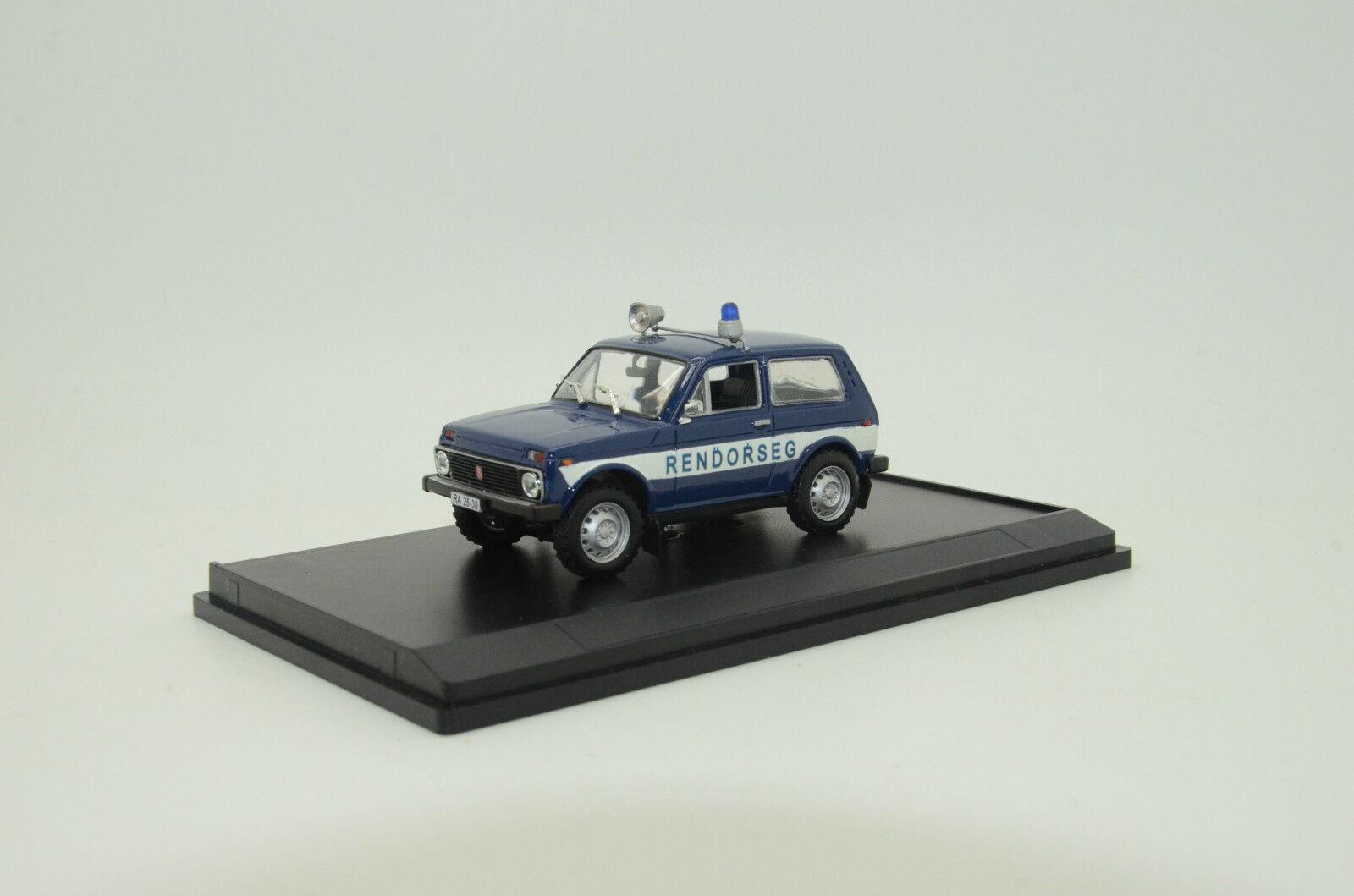 Rara LADA VAZ 2121 rendorseg rendőrség Hungría policía Hecho a Medida 1 43