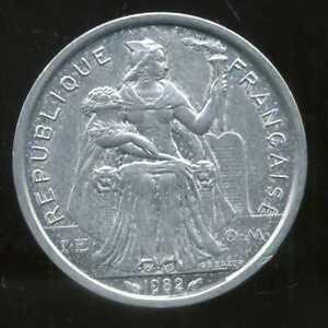 Vente Pas Cher Nouvelle Caledonie 2 Francs 1982 ( Sup ) ( Bis ) Art De La Broderie Traditionnelle Exquise
