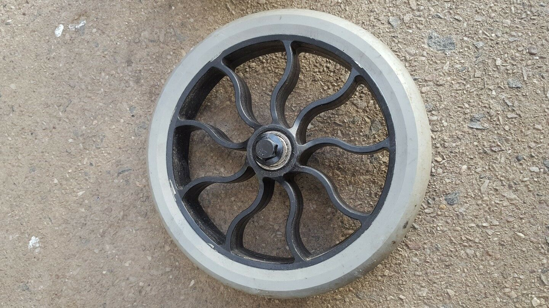 Grey. Zinc Volt XT2 Electric Scooter