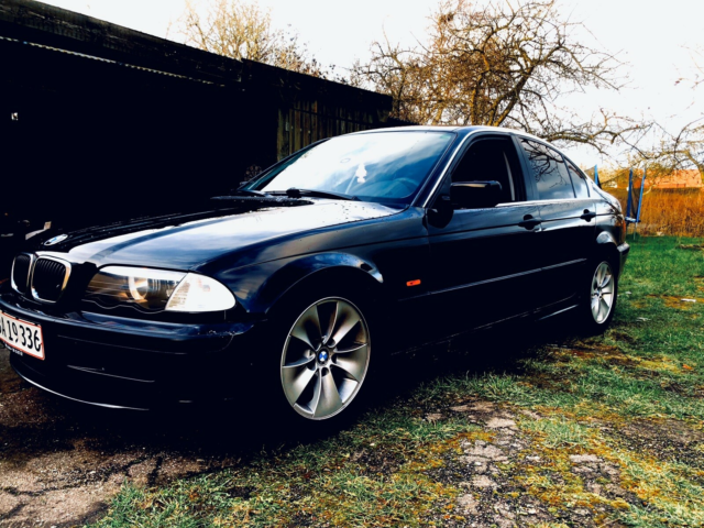 BMW 316i, 1,9, Benzin, 1999, sort, 4-dørs, 16