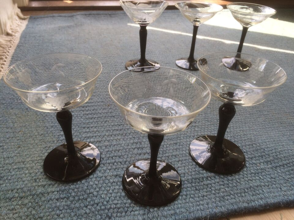 Glas, Gamle likørglas.