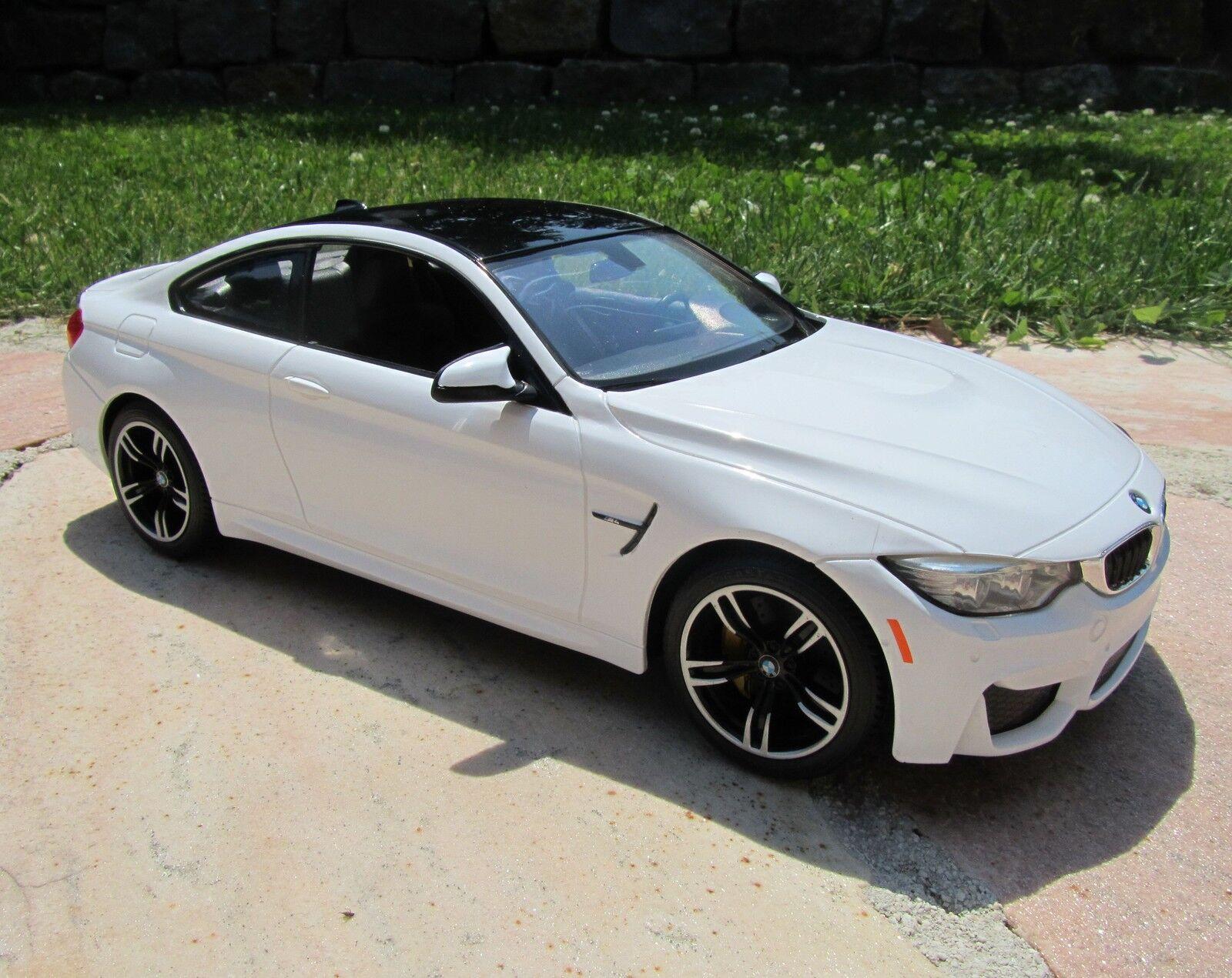 RC BMW m4 COUPE CON LUCE  Qualità Top   33cm 1 14 BIANCO 40mhz 404566