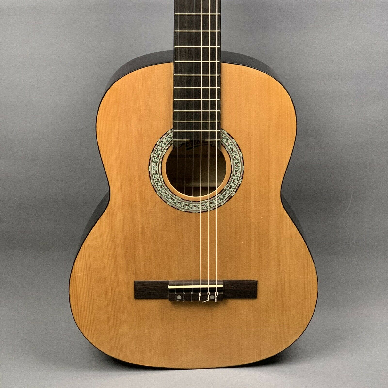 New  Artisan Classical Guitar  4 4 Größe  Student Nylon         Left Handed