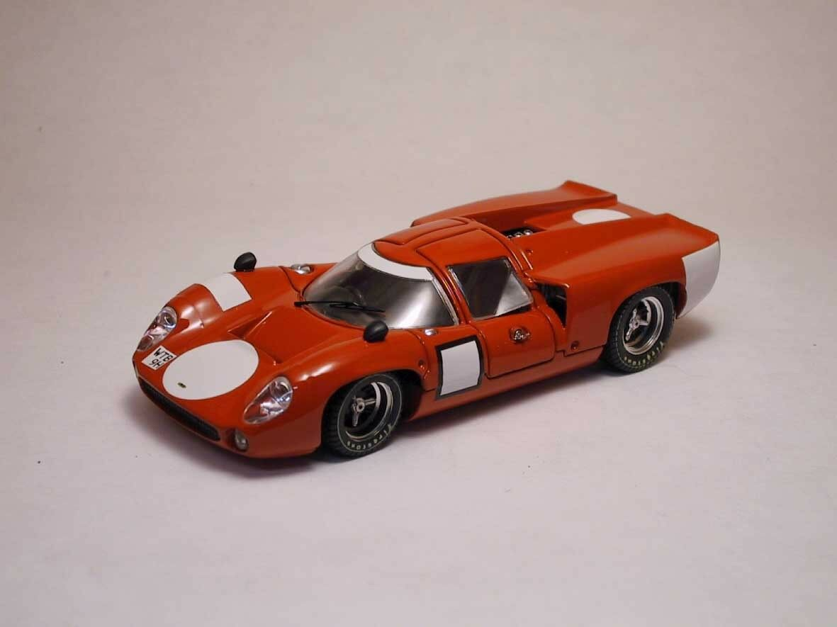 Lola T 70 Coupe' 1967 Prova rosso 1:43 Model BEST MODELS