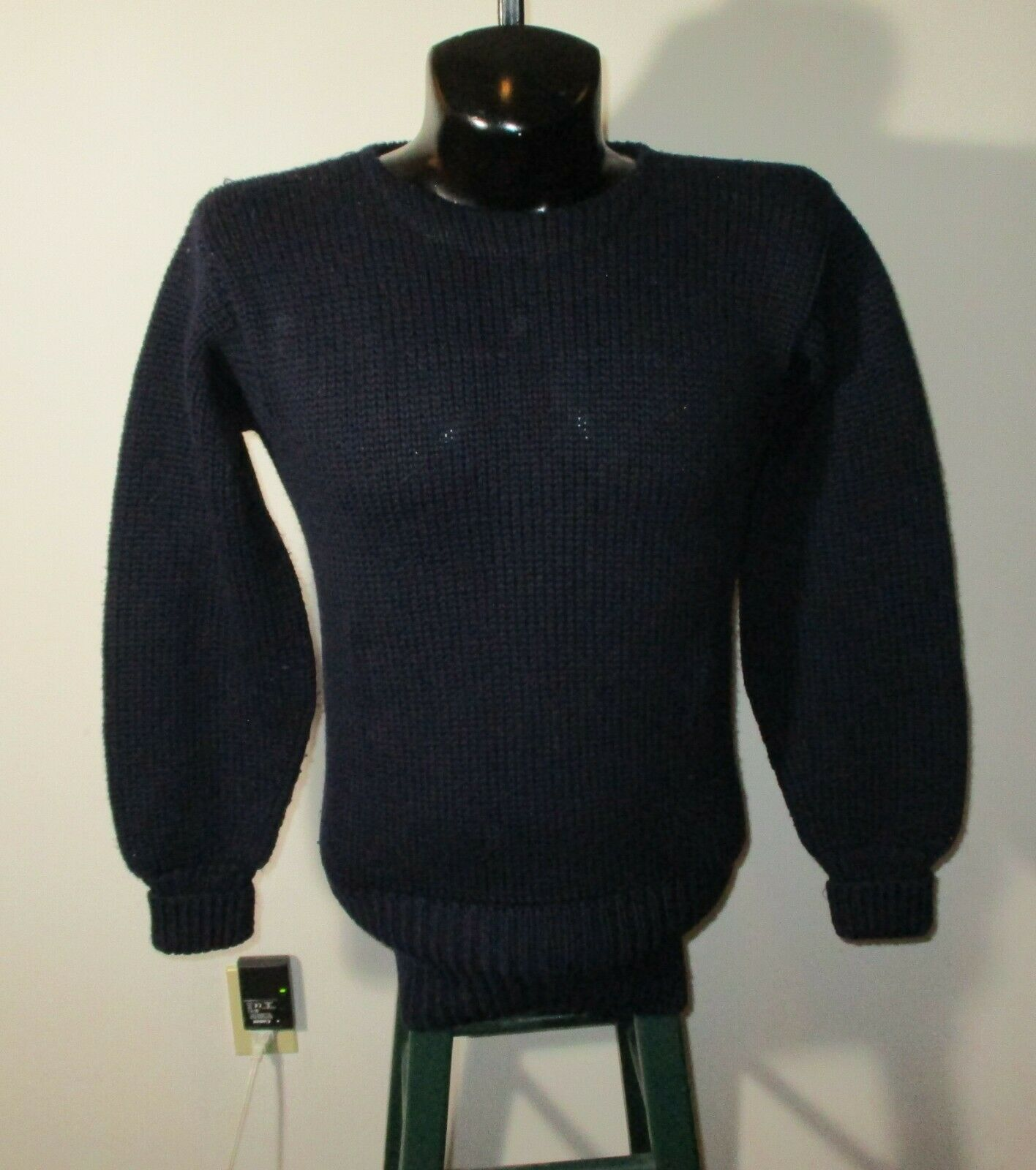Men's Vintage LANZA Navy bluee 100% Wool Sweater Size 42