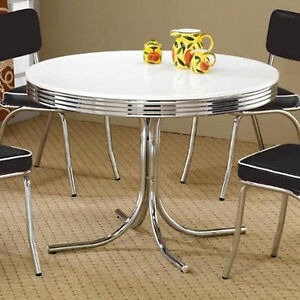 retro old fashioned vintage dinette dining table room