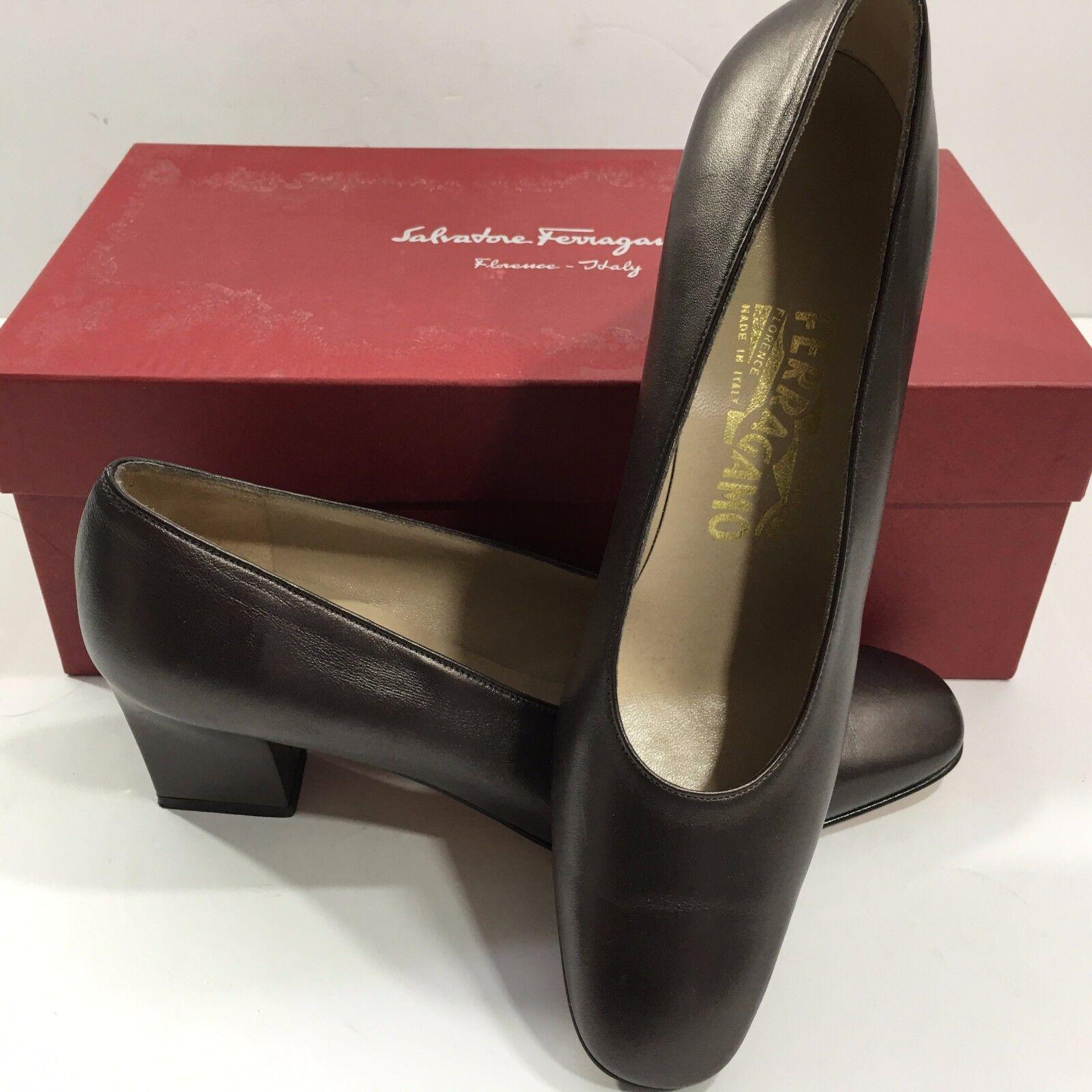 Salvatore Ferragamo 1/2) Women's Med Heel Dress Shoes (Brown, 7 1/2) Ferragamo 777d6a