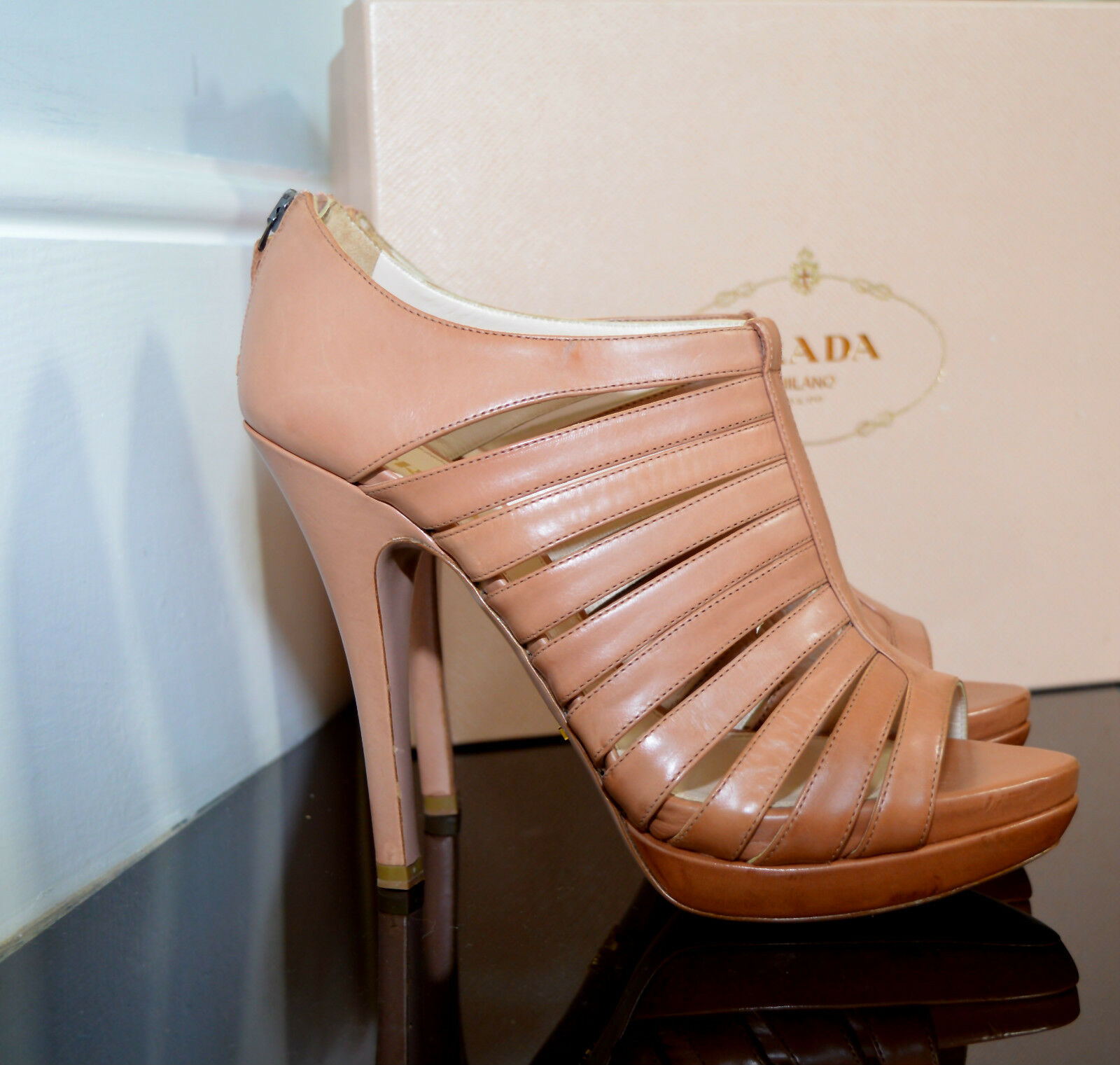 NUOVO Prada Strappy Cage High -Heel  Stiletto Sandals in pelle Marroneee rosso UK 5.5  fantastica qualità