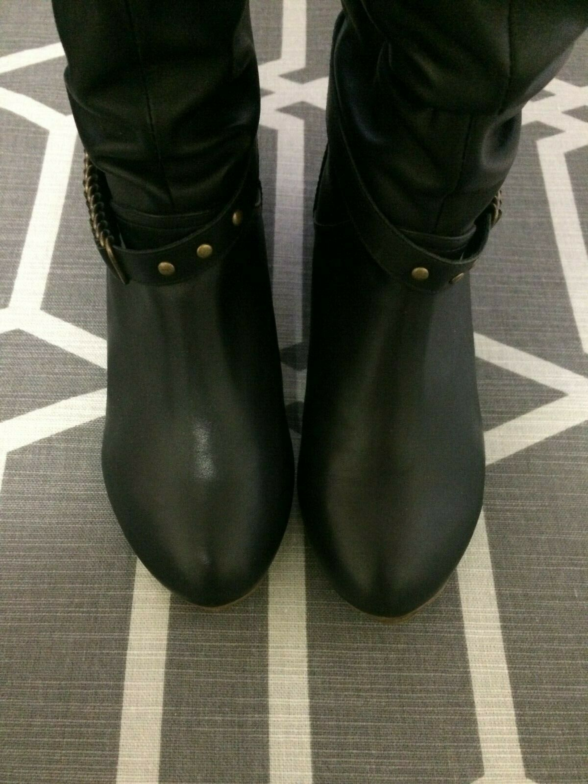 Women's Great Quality Genuine Leather Slip-Resistant Strap Boots Size US 6